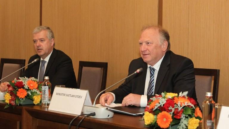 Министър Светлан Стоев представи външнополитическите приоритети на България пред Дипломатическия