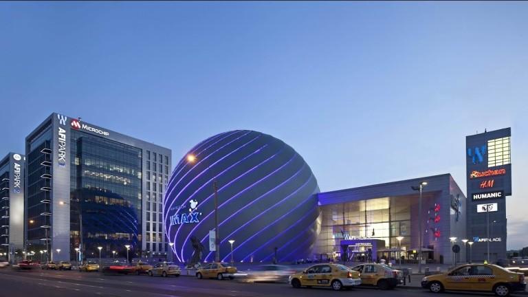 Най-големият мол в Румъния струва над 2 пъти повече от най-големия в България