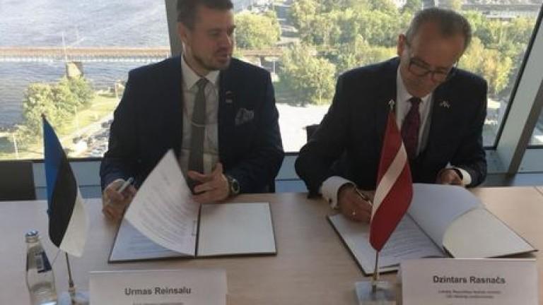 Латвия и Естония искат от Русия компенсации за съветската окупация