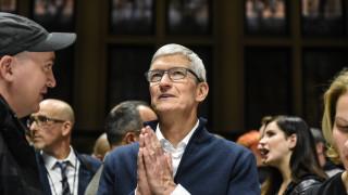 Изпълнителният директор на Apple влезе в клуба на милиардерите