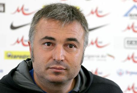 Ясен Петров обеща да върне Ботев (Вр) в елита