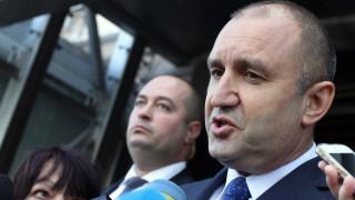 Радев: Няма нищо секретно в чата ми с Бобоков, често съм помагал на български фирми