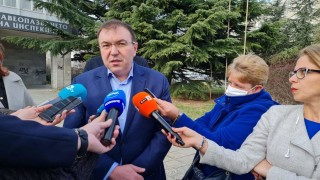 Костадин Ангелов: Първо разхлабваме секторите Култура и Спорт