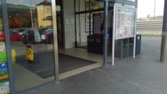 Дупница осъмна с изтръгнат банкомат