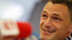 Марибор е в София, Миливое по-предпазлив в изказванията си от Хилъри