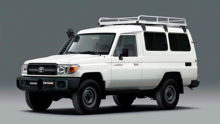 Toyota пригоди Land Cruise 70 за транспортиране на ваксини