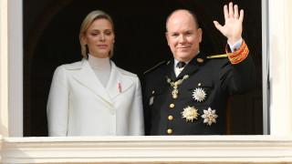 Принц Алберт и годишнината от сватбата, която посрещна сам