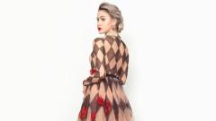 Мария Бакалова и роклята й, изработена за 500 часа