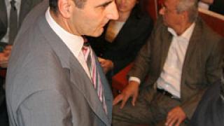 Борисов призова НДСВ да излезе от коалицията, аплодират го