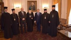 Патриарх Неофит обсъди дейността на църквата в затвора с Цацаров и Гешев