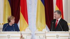 Порошенко зове Меркел да подкрепи засилване на санкциите срещу Русия