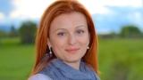 Десислава Атанасова: Хората абдикират от истинския свят