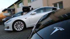 Да получиш с измама $1,5 милиона държавна помощ и да си купиш Tesla с парите