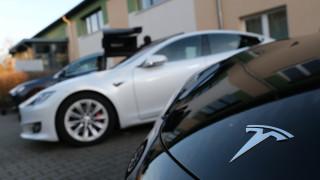 Ще можем ли да си купим Tesla с биткойни