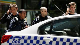 Полицията застреля мъж, взел жена за заложник в Мелбърн