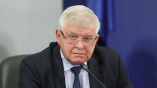 Ананиев обеща допълнителна защита за медиците на първа линия