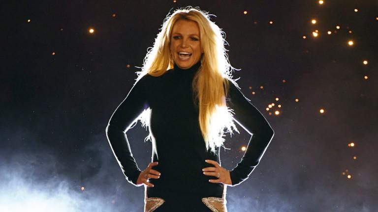 """Защо Бритни Спиърс е """"изключително щастлива"""""""