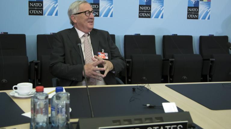 Юнкер залитал преди вечерята на НАТО в Брюксел