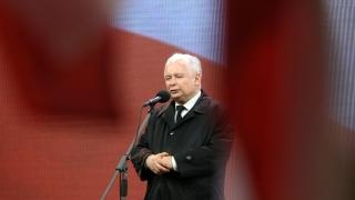 Полският правителствен самолет бил взривен, твърдят разследващите