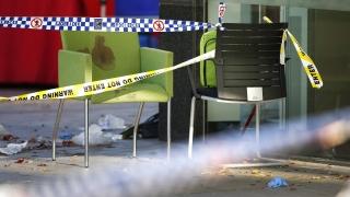 Полицията в Австралия рани луд с касапски нож и минувачи