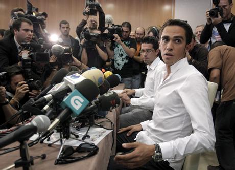 Контадор се отказва, ако го накажат