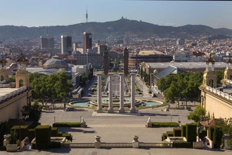Гледка от Palau Nacional към Plaza Espana