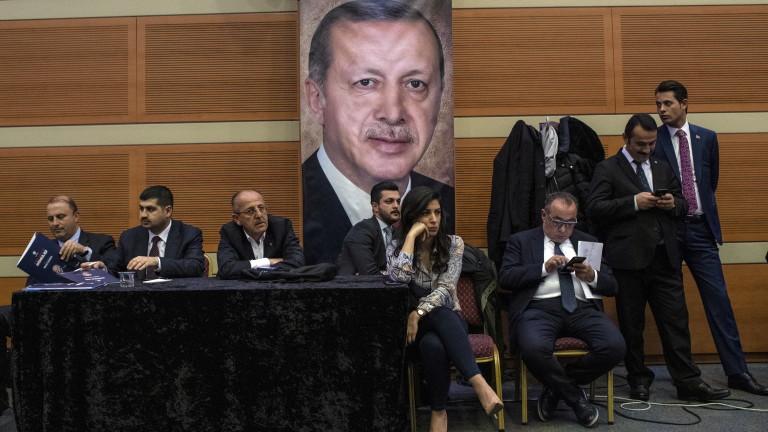 Снимка: Управляващата партия официално поиска касиране на вота в Истанбул