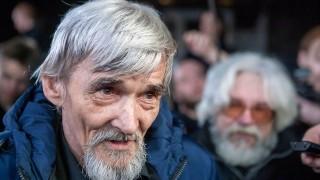 DW: Руският съд осъди по сталински изследовател на сталинските престъпления