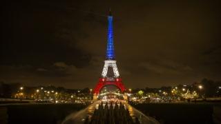 Париж успокоява: Градът е в безопасност и отворен за туристи