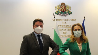 Николова очаква да паднат ограниченията за българите при влизане във Великобритания