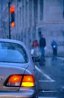 Някои пътища в страната са затворени заради валежи