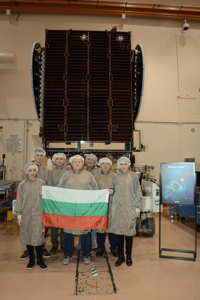 Тест на разгръщането на слънчевите панели на BulgariaSat-1