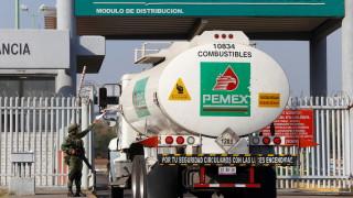 Мексико хвърля 4000 военни срещу крадците на горива