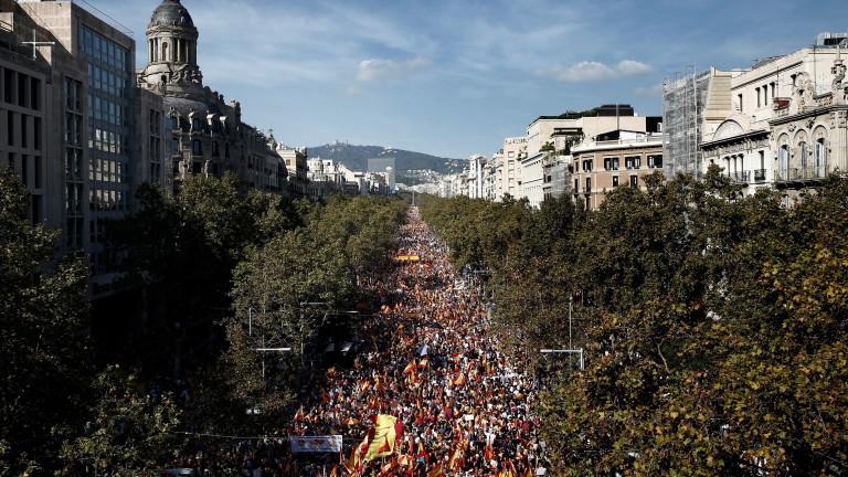 80 хиляди протестираха в Барселона в подкрепа на обединена Испания