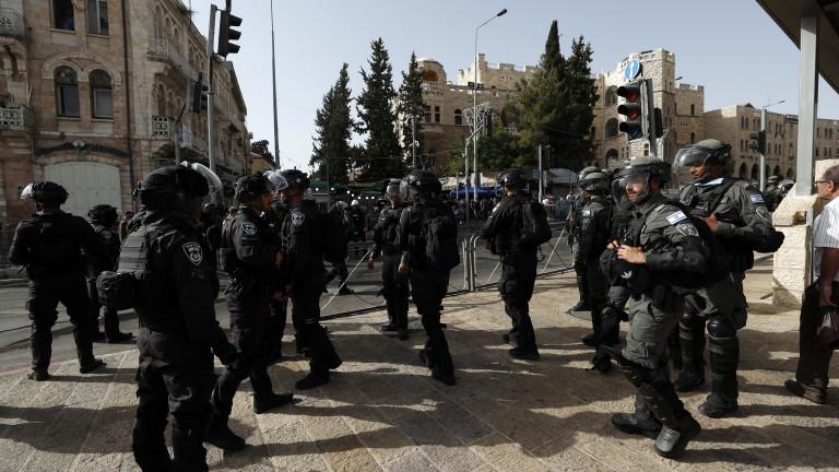 Напрежение в Йерусалим, чуват се експлозии, а