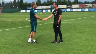 Манчини поздрави лично Белчев за победата