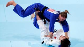 Ивелина Илиева стартира с победа, но отпадна от световната №1 в Токио