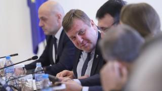 Военни да отлагат пенсионирането си с 3 години, иска Каракачанов