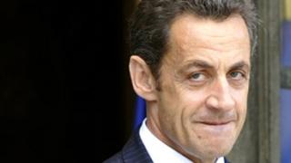 Агент на тайните служби разкри извънбрачна връзка на Саркози
