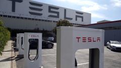 Новите станции на Tesla дават заряд от 120 км за пет минути