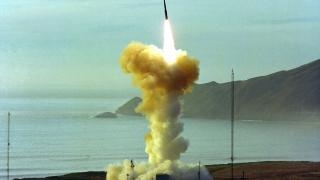 Китай: САЩ са разработвали забранени от договора от 1987-а ракети преди оттеглянето си