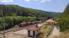Специален влак ще продължава да пътува по теснолинейката