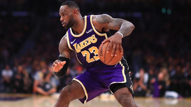 ЛА Лейкърс продължава с победите в НБА