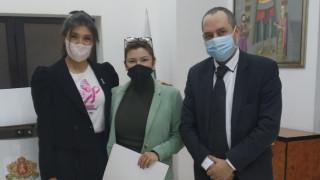 България дава 272 669 лв. на Севeрна Македония за подвижен мамограф