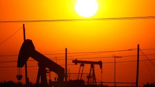 Цената на петрола скочи над $69. Прегрява ли пазарът?