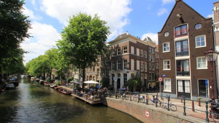 Амстердам твърди, че в града има толкова много центрове за