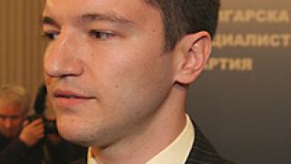 Вигенин: Политическият скандал блокира важни преговори с Русия