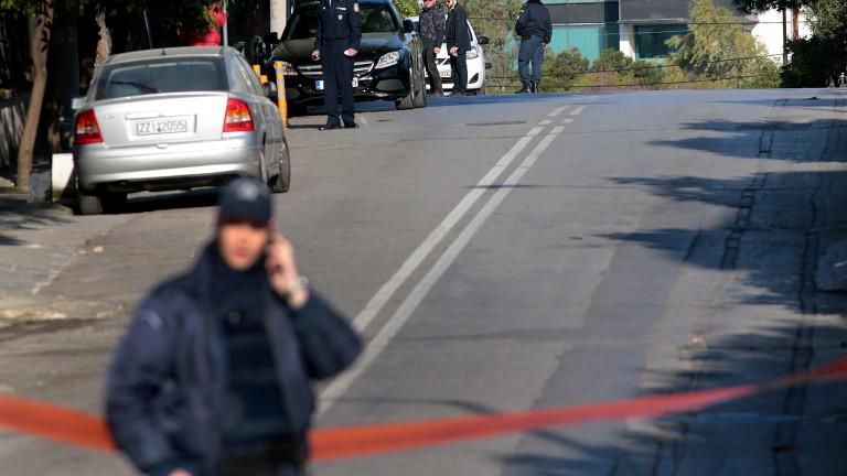 Неизвестни засега лица хвърлиха граната пред Руското посолства в Атина,