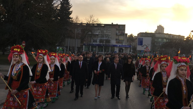 Корнелия Нинова в Разград: Оставането на кабинета Борисов е гаранция за нови и нови кризи