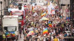 Полицията разпръсна многохиляден протест в Берлин против мерките срещу COVID-19